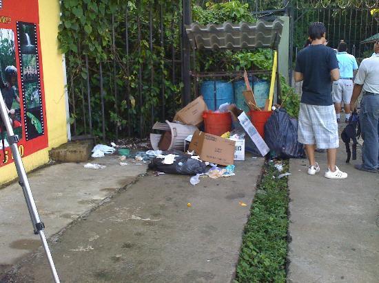 Photo of trash, courtesy of TripAdvisor