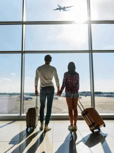 micro-cation - couple at airport