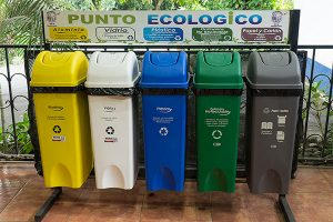 recycling-and-trash-in-Costa-Rica, photo credit https://www.tanktopsflipflops.com