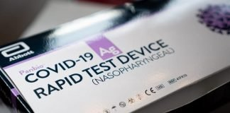 Abbott COVID-19 self-test kit (photo of packaging)